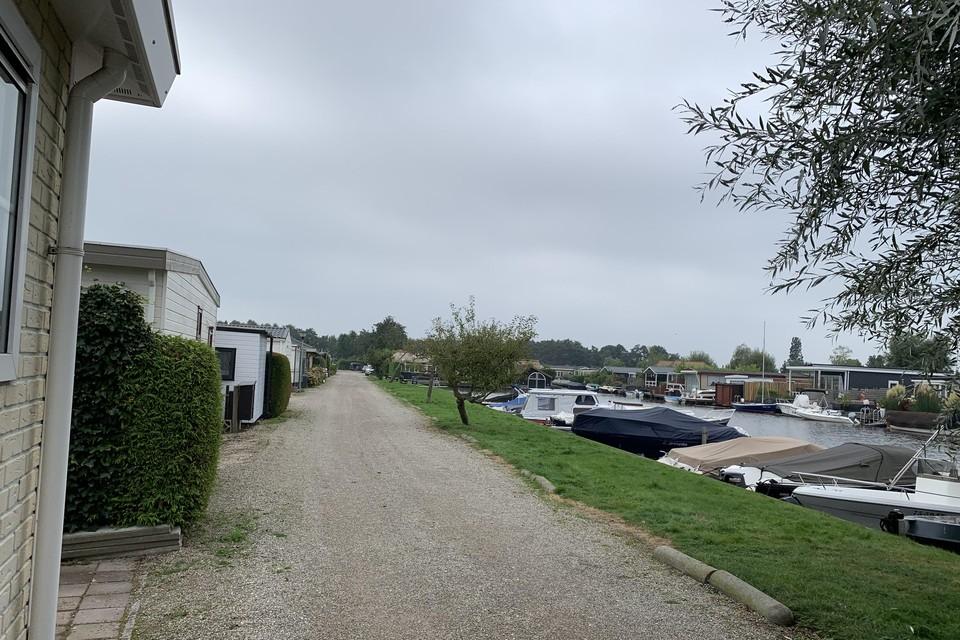 Alles moet hier weg op caravanpark Nieuw-Loosdrecht, van de nieuwe eigenaar Marinaparken.