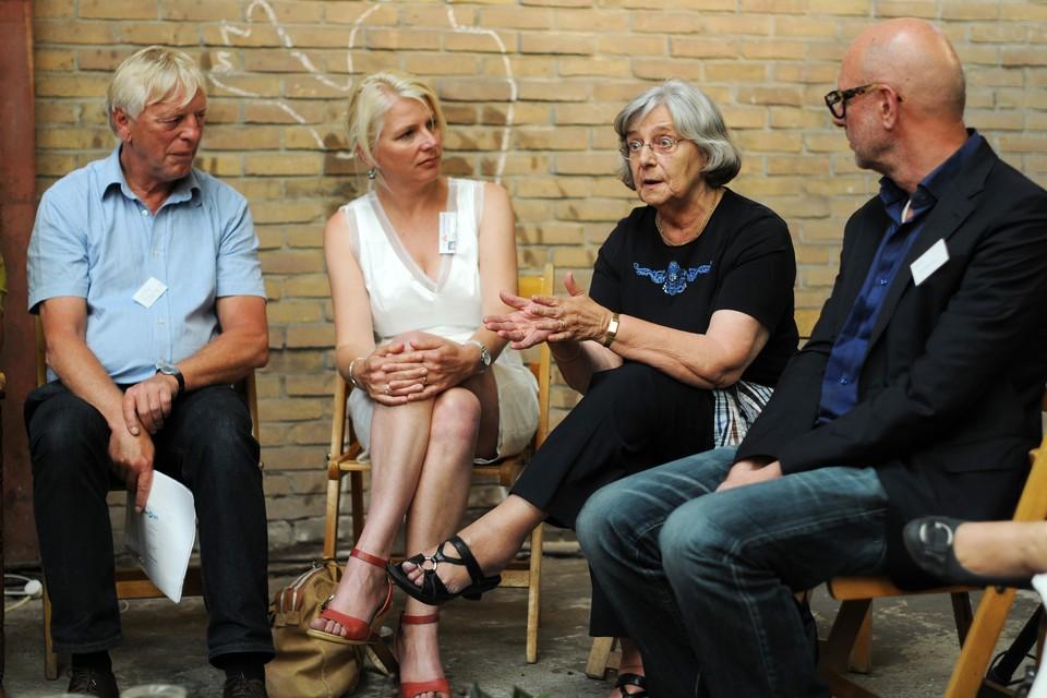 Bezoekers van de Thuis-bijeenkomst. FOTO BUREAU MENEER DE LEEUW