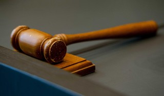 Veertien maanden cel voor Haarlemmer die geladen vuurwapen bij zich droeg
