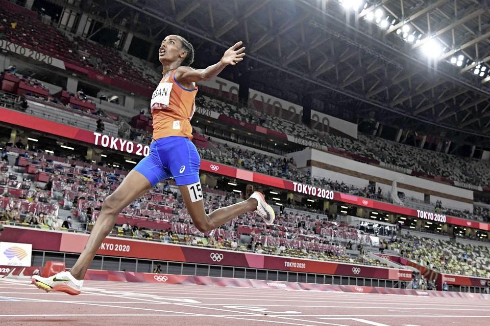 Sifan Hassan na het winnen van de finale 10.000 meter.