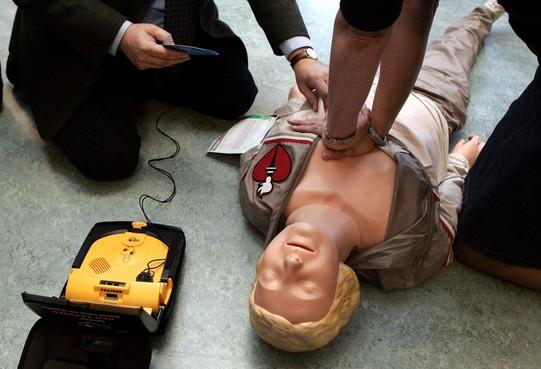 Onthulling van 35e AED in Heemskerk