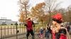 Nog steeds topdrukte bij pietenhuis Soestdijk, springpiet stal de show; Ruim 900 sinterklaastoeristen