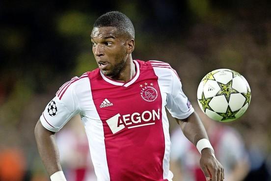 Ryan Babel begint aan zijn derde termijn bij Amsterdamse voetbalclub: 'Altijd Ajacied gebleven' [video]