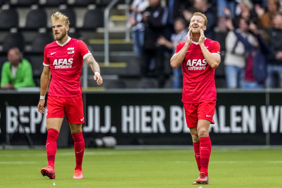 Timo Letschert en Dani de Wit balen na de 2-1.