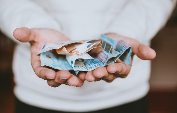 Huurdersvereniging De Driehoek in Wervershoof doet aangifte tegen ex-penningmeester: sinds 2017 geld weg
