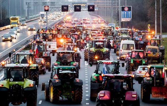 Op zaterdag 21 maart nieuwe actie boeren 'op veertig drukke, goed zichtbare locaties'