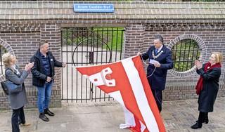 Alkmaar eert helden: een tulp voor Tante Truus en een hofje voor Bram Daalder. 'Hij had het lef om in verzet te komen en heeft het met de hoogste prijs moeten betalen'