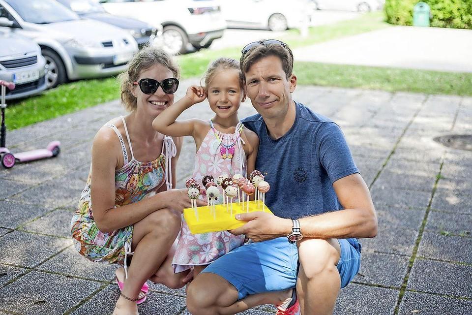 Marjetka, Eva en Mark, foto vorig jaar genomen in Slovenië.