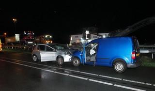 Twee auto's frontaal in botsing in Velserbroek