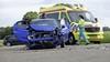 Auto over de kop bij botsing in Slootdorp, drie gewonden