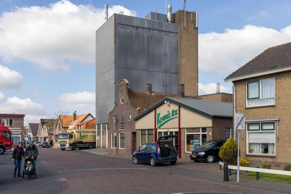 Voederfabriek Koenis vertrekt binnen enkele jaren vanuit Spanbroek naar industrieterrein Agriport langs de snelweg A7