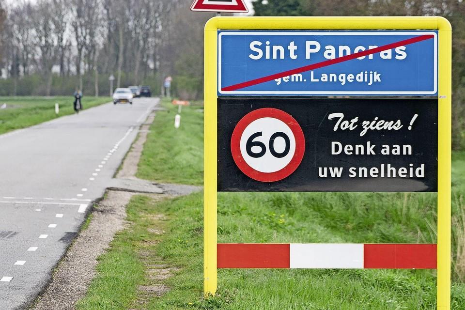 De fusie van Heerhugowaard en Langedijk kan wat de Eerste Kamer betreft doorgang vinden. Er komt geen referendum over de toekomst van Sint Pancras.