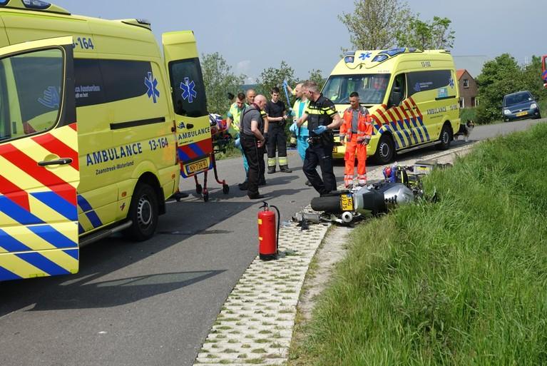 Twee motorrijders gewond bij zware crash in Assendelft