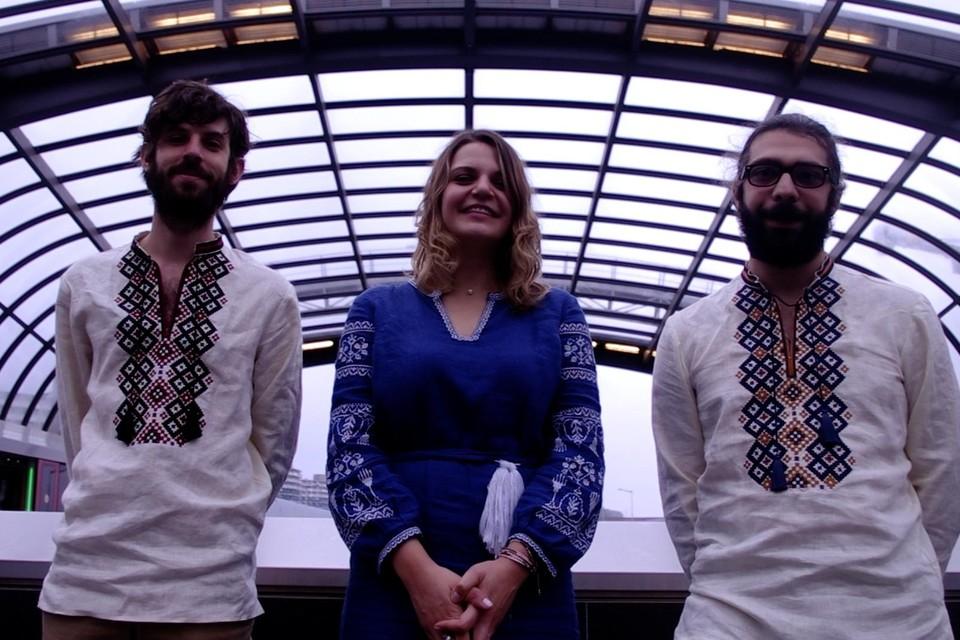 Trio SonCe brengt Oekraïense volksmuziek.