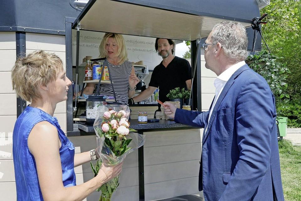 De koffiekraam van Tirso Dieleman, bij de start ervan in Middenmeer, half juni.
