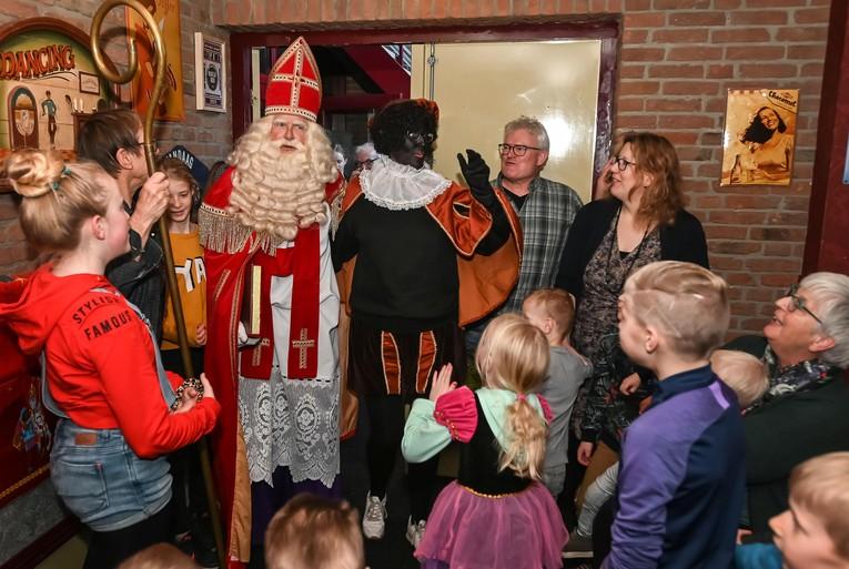 Piet Martha krijgt van West-Friese familie Deen afscheid zonder pensioengat [video]