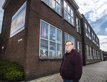 Kunstenaars moeten uit 'De School' in Hillegom