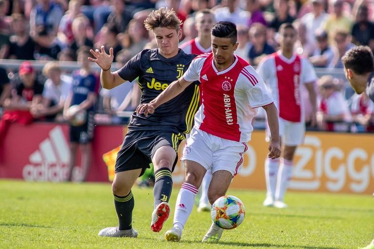 Naci Ünüvar, grootste talent uit de Ajax-opleiding: 'Ik hoop op m'n zeventiende te debuteren' [video]