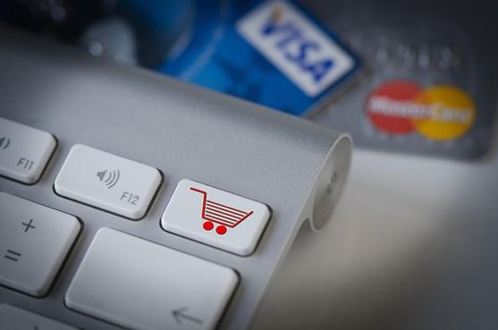 Blaricummer lichtte minstens 10 mensen op met nep-webwinkel