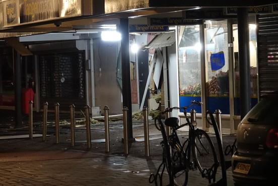 Twee keer plofkraak binnen 24 uur op Zaandamse geldautomaat; politie onderzoekt verband