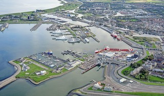 Publiek is niet welkom bij vergaderingen van de begeleidingscommissie onderzoek Port of Den Helder. De gemeenteraad bewijst zichzelf en de stad daarmee geen dienst   Opinie