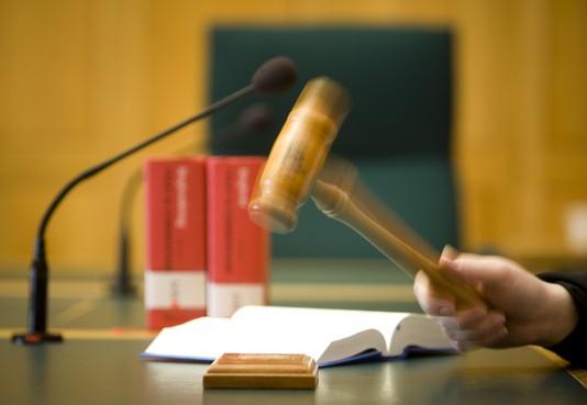 Hoornaar mag van rechter geen formulieren invullen