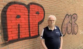 Ergernis over graffiti in Hoornse wijk Grote Waal: 'Als ik er een hakenkruis overheen zet, dan haalt de gemeente het dus wel weg'
