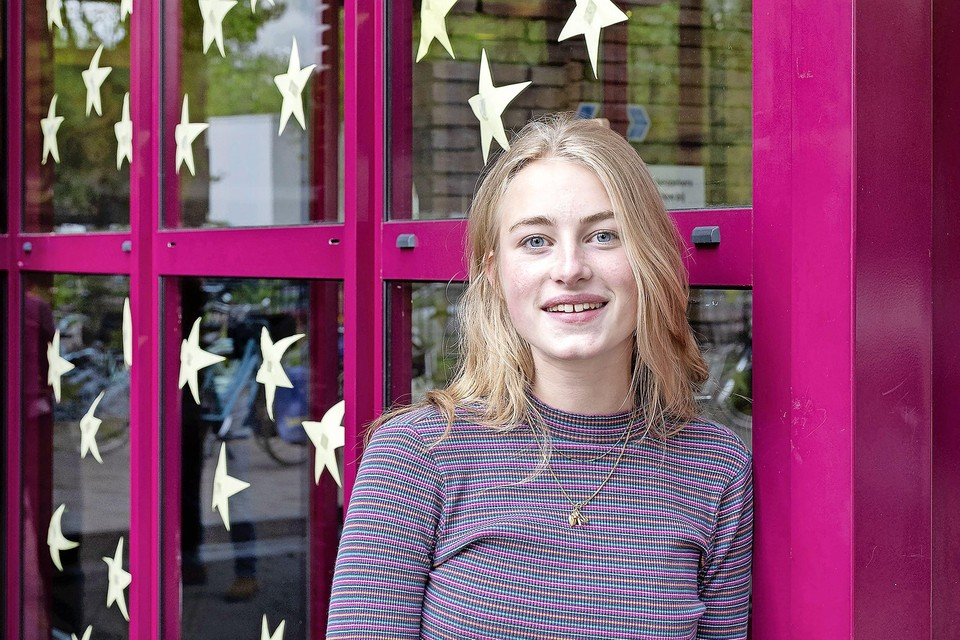 De achttien-jarige Esmee van Camperhout deed gisteren Wiskunde B examen.