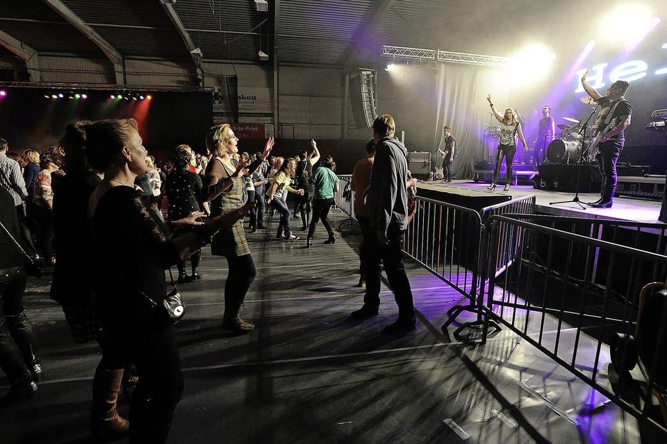 Een concert in Sportcentrum de Kloek.