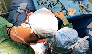 Hernia, hersenbloeding, dwarsleasie of zenuwbeknelling? 'Complexe ingrepen kunnen prima in Alkmaar plaatsvinden.' Noordwest Ziekenhuis wordt steeds meer centrum voor neurochirurgie