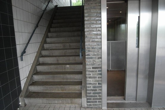 Vier mensen vast in lift van Dijklander Ziekenhuis
