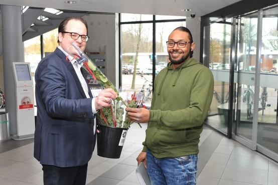 Rode rozen voor Beverwijkers op Valentijnsdag