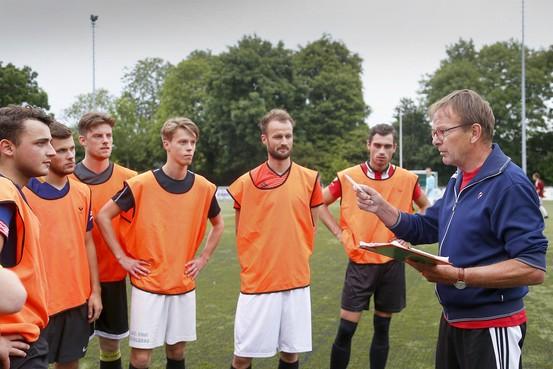 Schagen United doet zijn status in vierde klasse met monsterscore eer aan; Succes wint simpel op Texel.