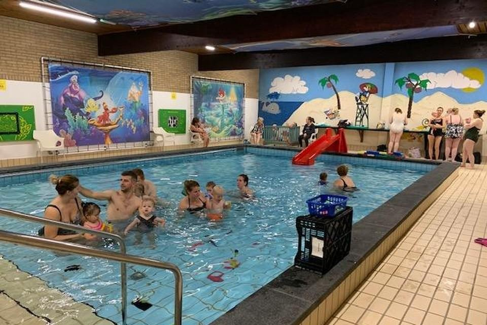 Zwembad De Lier werd ook verhuurd aan particulieren, zoals zwemscholen.