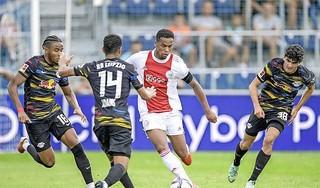 Ajax speelt gelijk tegen Duitse topclub Leipzig [video]