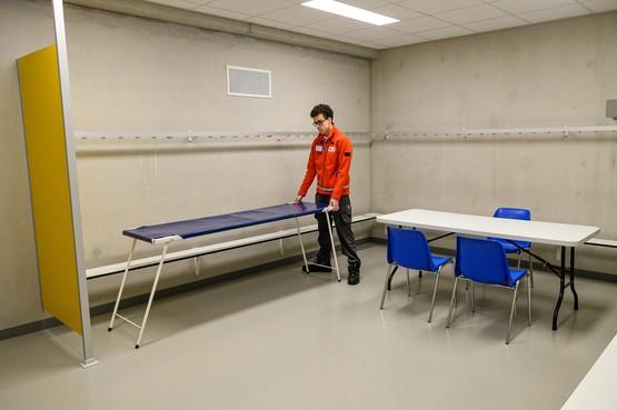 Huisartsenpost verhuisd van Dijklander naar sporthal de Beuk: 'Even wennen'