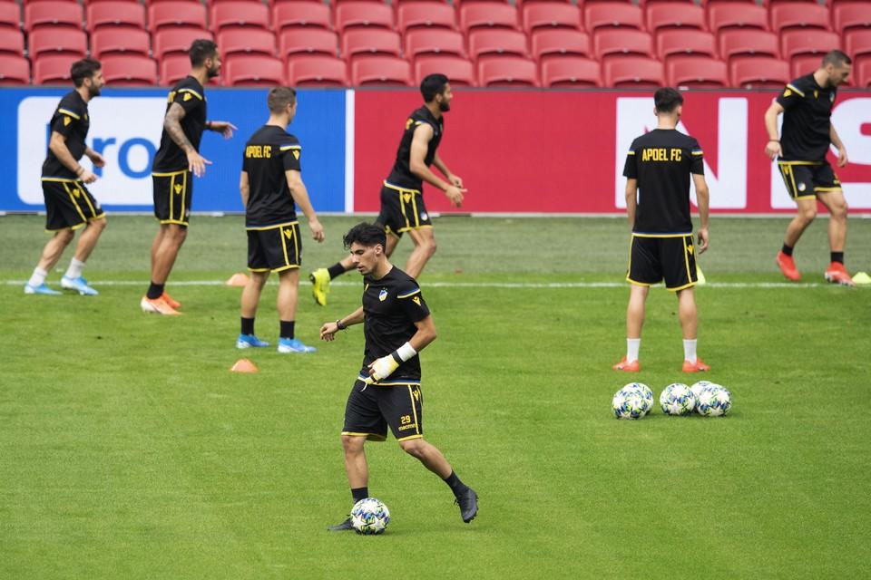 APOEL Nicosia traint ter voorbereiding op de returnwedstrijd tegen Ajax in de play-offs van de Champions League.