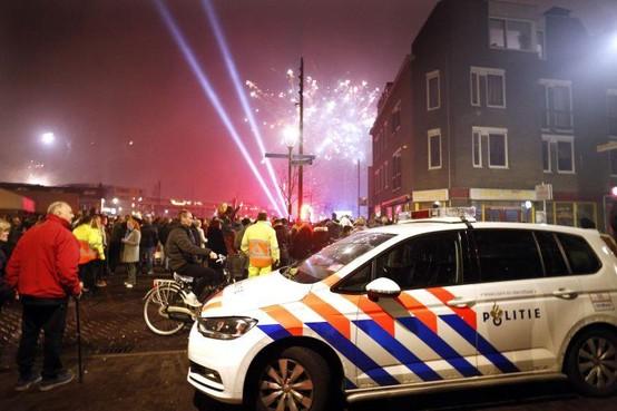 Grotere vuurwerkshow in centrum Hilversum bij jaarwisseling, ook autovrije Stationsstaat bepleit en tweede scherm erbij