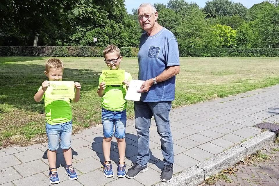 Daley(l.), Djalen en opa Hans.