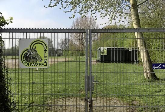 Sanering paardenbak Gouwzeeruiters in Monnickendam kost Waterland een ton