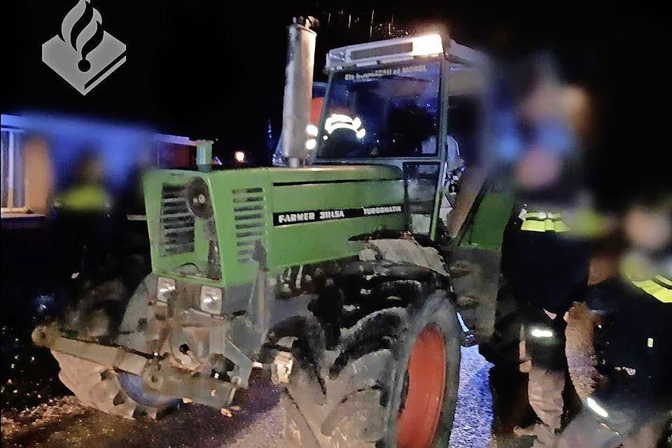 Er was veel voor nodig om de tractorrijder tot stoppen te dwingen.