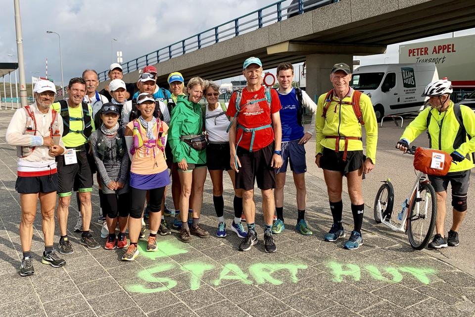 De deelnemers aan de eerste Holland Ultra Tour op Texel.