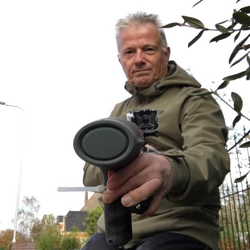 Verslaggever met lasergun op pad: 'Vuile NSB'er!' [video]