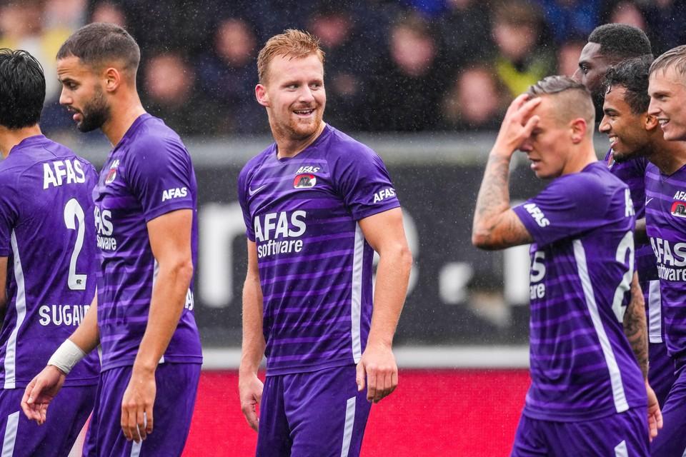 AZ speelde vorige week tegen Cambuur in de paarse shirts.
