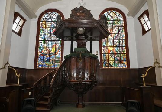 Preekstoel voormalige Lutherse kerk mag helemaal niet weg uit Enkhuizen