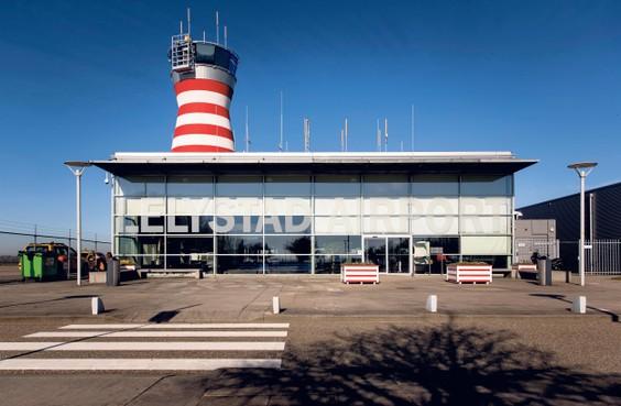Minister wil plan doordrukken om vliegveld Lelystad snel te openen