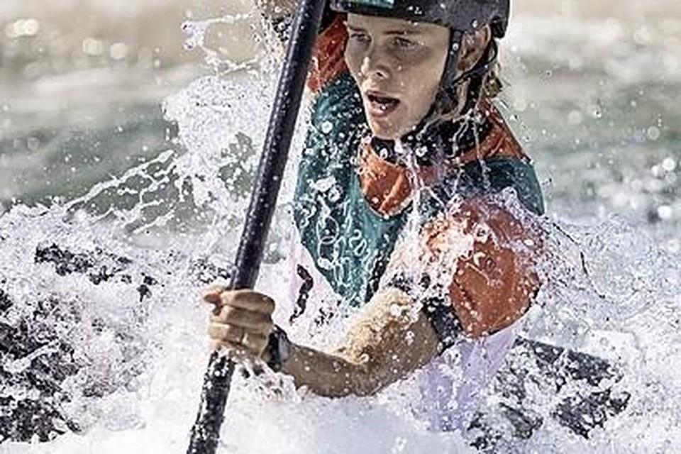 Martina Wegman in acite op de olympische wildwaterbaan.