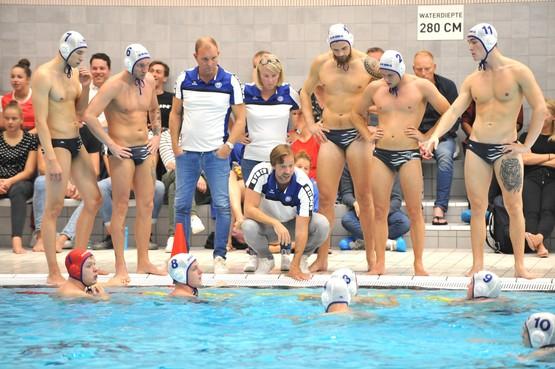 Nieuwe trainer Joachim de Ruijsscher ziet wel muziek in waterpoloteam De Ham