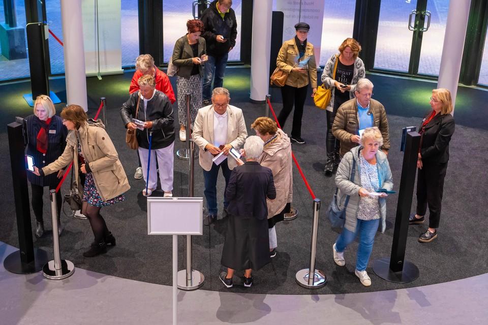 Het Zaantheater vraagt bezoekers nu al om bij aankomst hun coronapaspoort te laten zien.