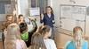 Kunst- en vliegwerk om lerarentekort in Zaanstreek-Waterland het hoofd te bieden, planning hangt met noodconstructies aan elkaar: 'Ik maak me zorgen om de werkdruk'